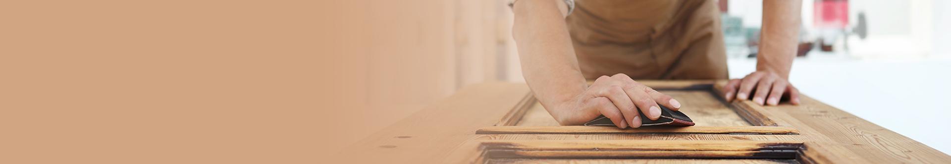 Prace przy drewnie z kamieniem
